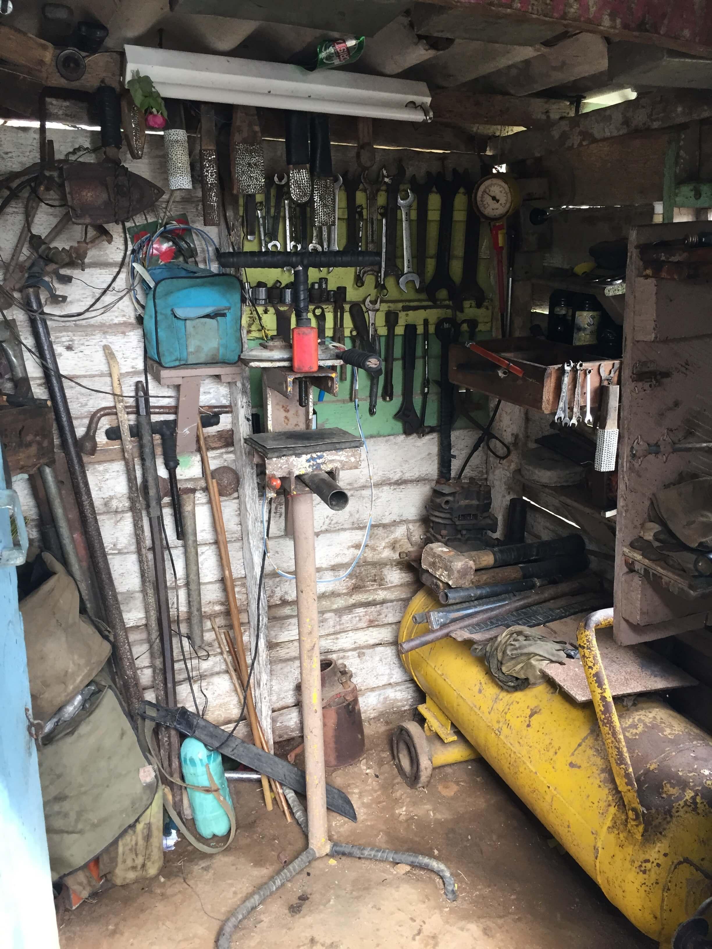 Unterwegs Werkstatt Hütte