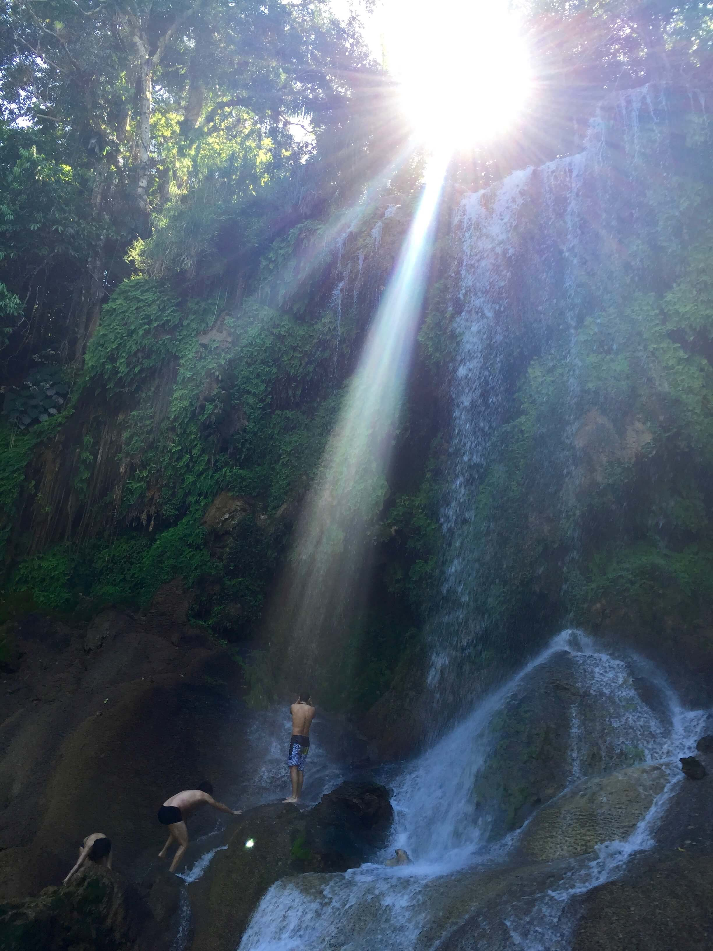 El Nicho Wasserfall Sonnenstrahl